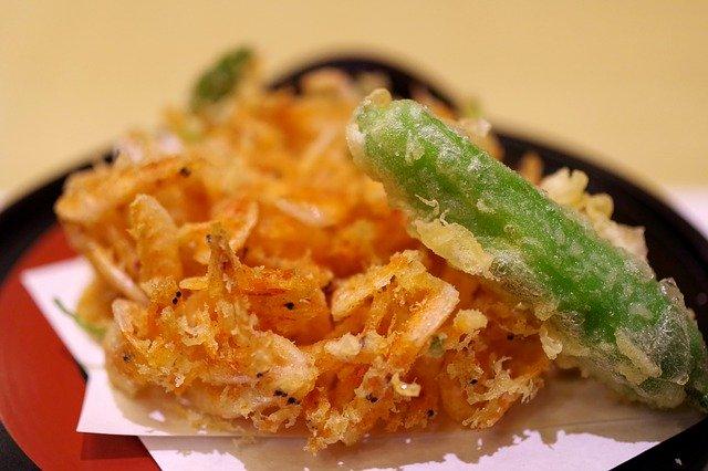 しし唐の天ぷらとエビのかき揚げ